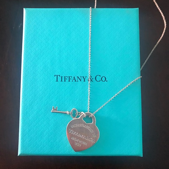 9cd86763ccf9 Tiffany   Co. Heart Tag with Key Pendant Necklace.  M 5b3e1435a5d7c69379f29ce3